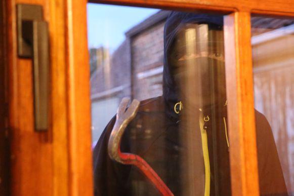De inbrekers forceerden een raam