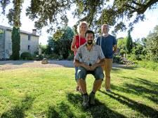 Dit Nederlandse gezin woont in een dorp dat niet bestaat