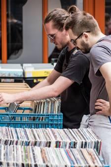 'Plaatjesvrijdag bij bieb in Enschede paradijs voor liefhebbers vinyl'