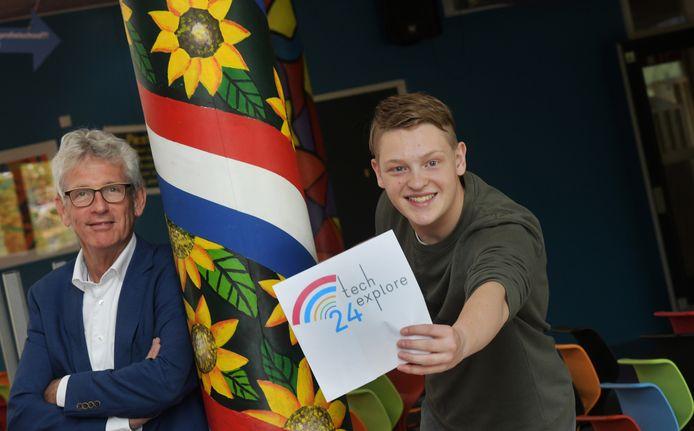 André Viets (links) met Tijs Blokhuizen, de ontwerper van het logo van TechExplore24.