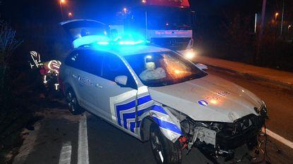 Politie botst op weg naar dringende oproep