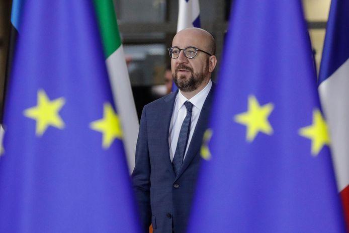 """Premier Michel zit met z'n hoofd al langer in Europa, maar bleef nog op post """"uit loyauteit met het land"""", klinkt het in zijn entourage."""
