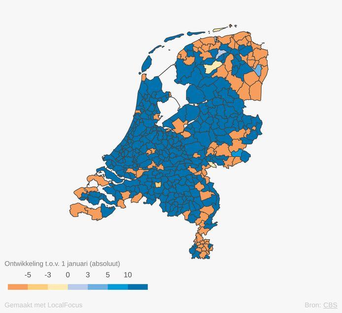 De groei van de Nederlandse bevolking in het afgelopen jaar. In de gemeenten met een oranje kleur is het aantal bewoners afgenomen.