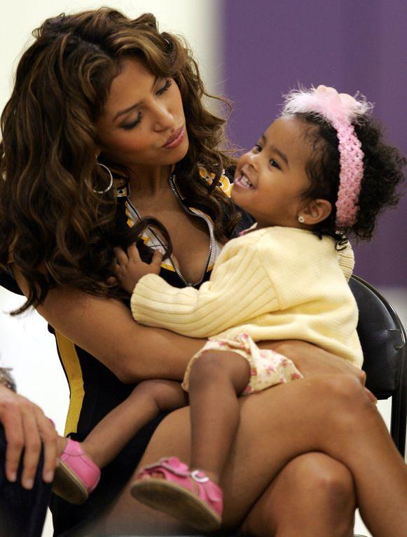 Vanessa met dochtertje Natalia in 2004.