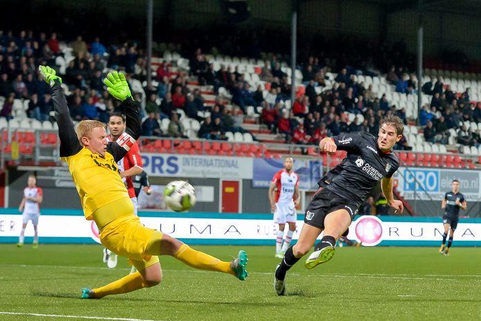 Nec Treft Bij Huidige Stand Fc Emmen In De Play Offs Sport Gelderlander Nl