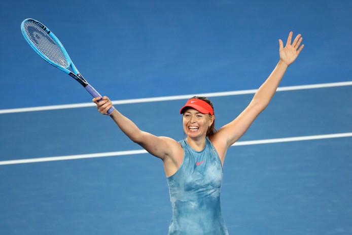 Sjarapova viert haar overwinning.