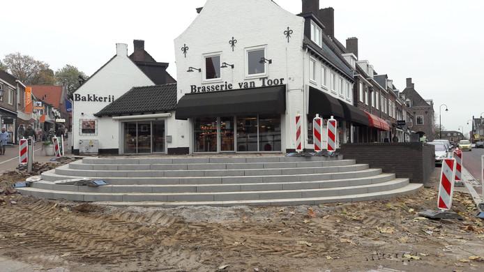 De nieuwe trappartij op de hoek van de Molenstraat.