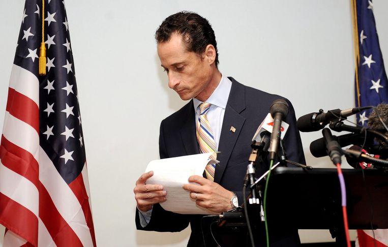 Anthony Weiner na een persconferentie na een van zijn seksschandalen. Beeld epa