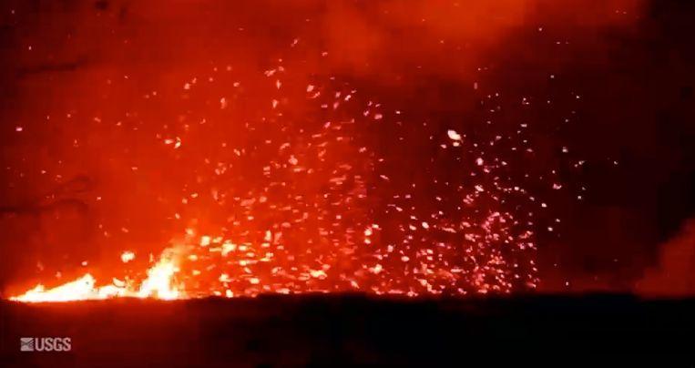 De vulkaan Kilauea blijft Hawaï teisteren. Onderzoekers konden een wervelwind van lava vastleggen. Dat levert dan wel spectaculaire beelden op, er blijven nog altijd dorpen bedreigd.