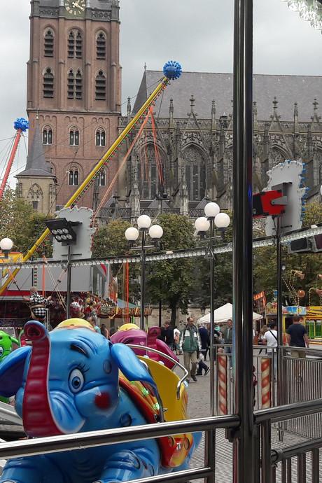 Op Bossche kermis zijn de rijen  (voorlopig) weg: gemeente wil meer variatie