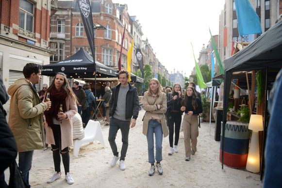 Een shoppingweekend met een strand in de Leuvense Bondgenotenlaan zit er voorlopig niet in door het coronavirus maar kleinere activiteiten staan wel op het programma.