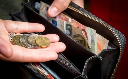 Het huishoudgeld kan maar een keer worden uitgegeven.