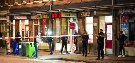 Auto beschoten aan de Oranjeboomstraat in Rotterdam-Feijenoord