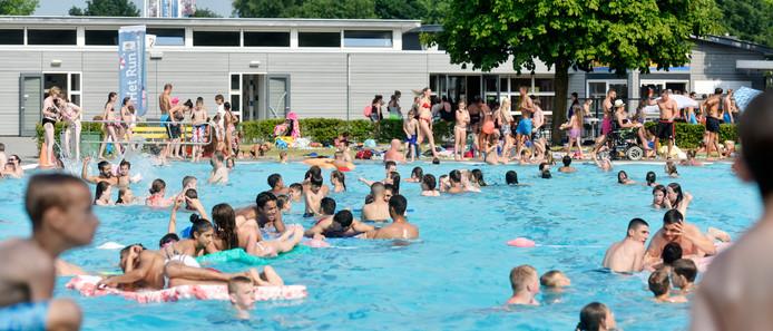 Afgelopen juli en augustus was het te weinig dagen mooi zwemweer. Dat kostte openluchtzwembad Het Run in Drunen (te) veel omzet.