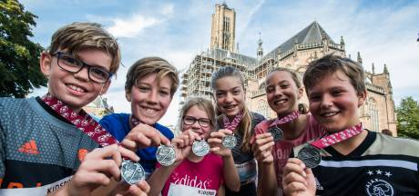 Hardlopen en herdenken gaan hand in hand tijdens Bridge to Bridge in Arnhem