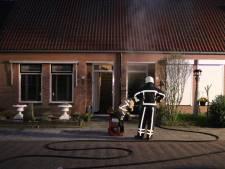 Rijtjeshuis in Oldenzaal tijdelijk niet bewoonbaar na brand