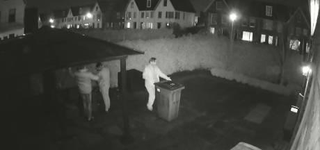 Inbrekers schrikken zich wezenloos van camera in Apeldoorn