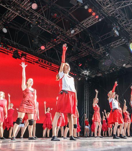 Roosendaal drukt dansend de resetknop in: 'Heel blij met de positieve vibe in de stad'