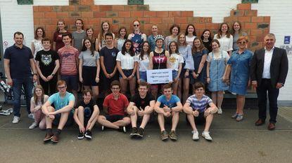 Leerlingen verzamelen 1.900 euro voor Kom op tegen Kanker