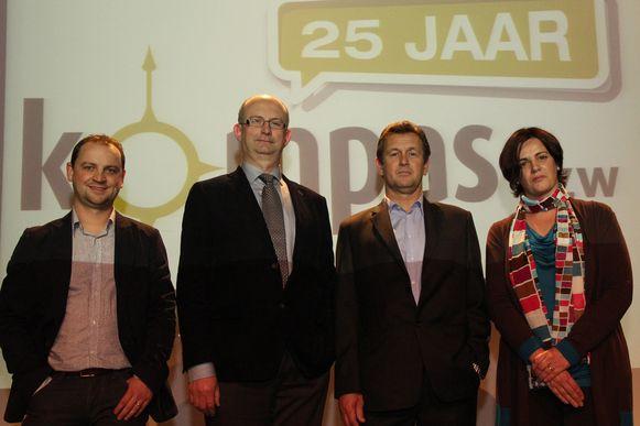 Jan Theuwen van vzw Kompas (derde van links)