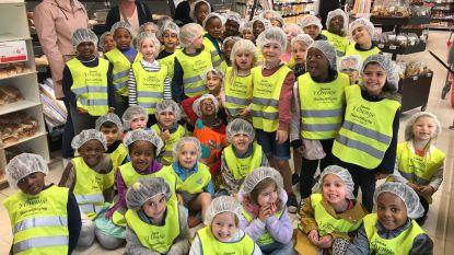 SJC-leerlingen op bezoek in Delhaize-bakkerij
