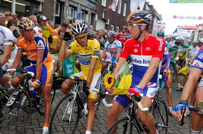 De Draai van de Kaai in 2007. Michael Boogerd, Tourwinnaar Alberto Contador en Nederlands kampioen Koos Moerenhout. Ik heb de drie uit een andere hoek gefotografeerd. Dat kleine cameraatje linksboven is van mij.