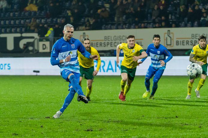 De late en belangrijke gelijkmaker tegen Fortuna Sittard (1-1) was wellicht het laatste wapenfeit van Lennart Thy in het shirt van PEC Zwolle. De competitie ligt stil vanwege de coronauitbraak en het contract van de Duitse spits wordt niet verlengd.
