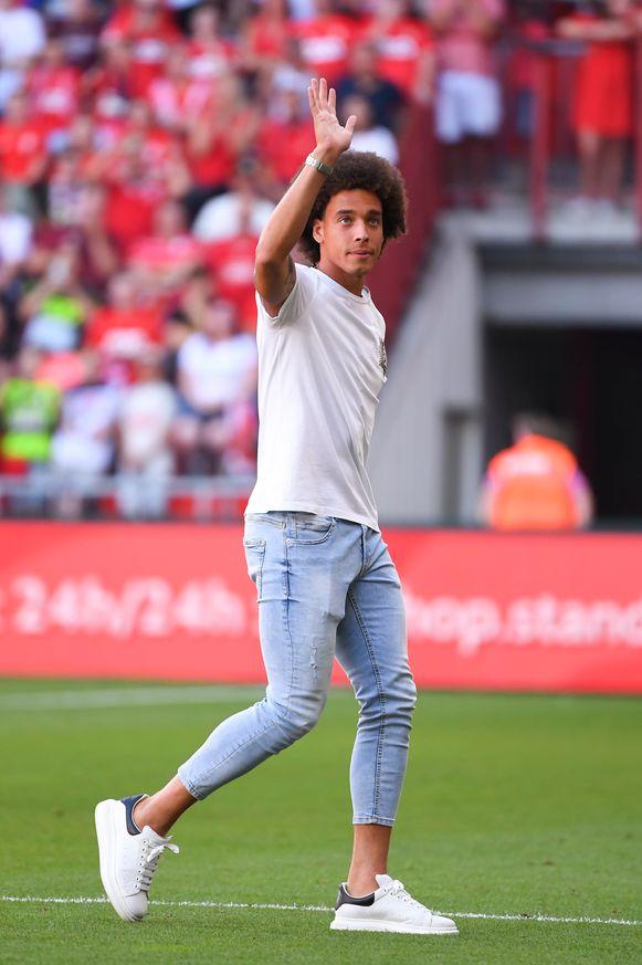 Witsel gaf vorige week nog de aftrap op Sclessin voor de wedstrijd tegen KV Kortrijk.