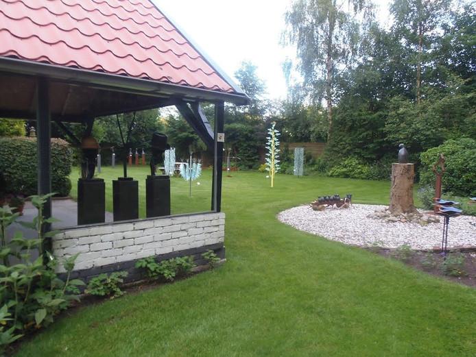 Kunst & Natuur is een tentoonstelling in de 6000 vierkante meter tuin van Expositie Beeldschoon.