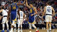 VIDEO. Elf driepunters! Daar is Stephen Curry weer: hij leidt Golden State met 48 punten naar winst in Dallas