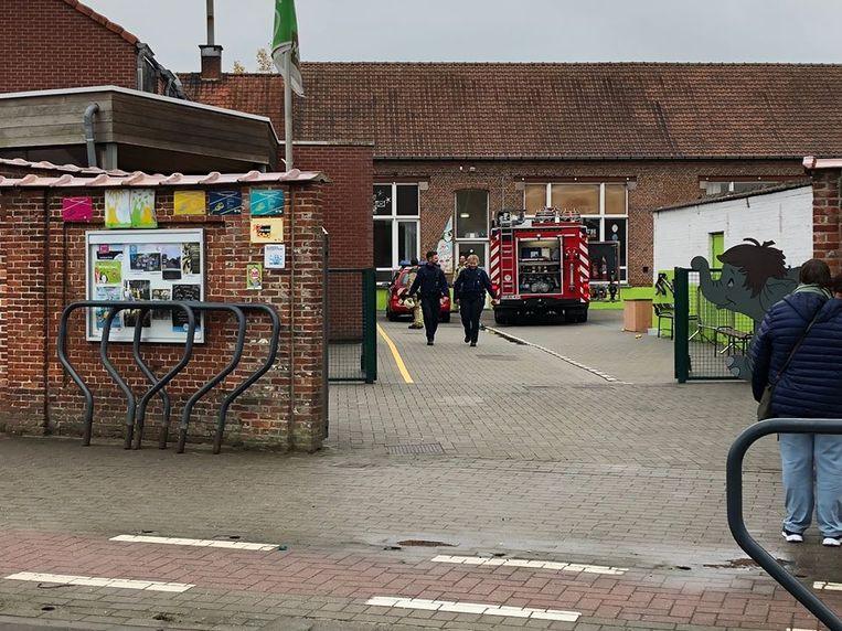 De brandweer kwam alleen nog ter plaatse om het gebouw te verluchten.