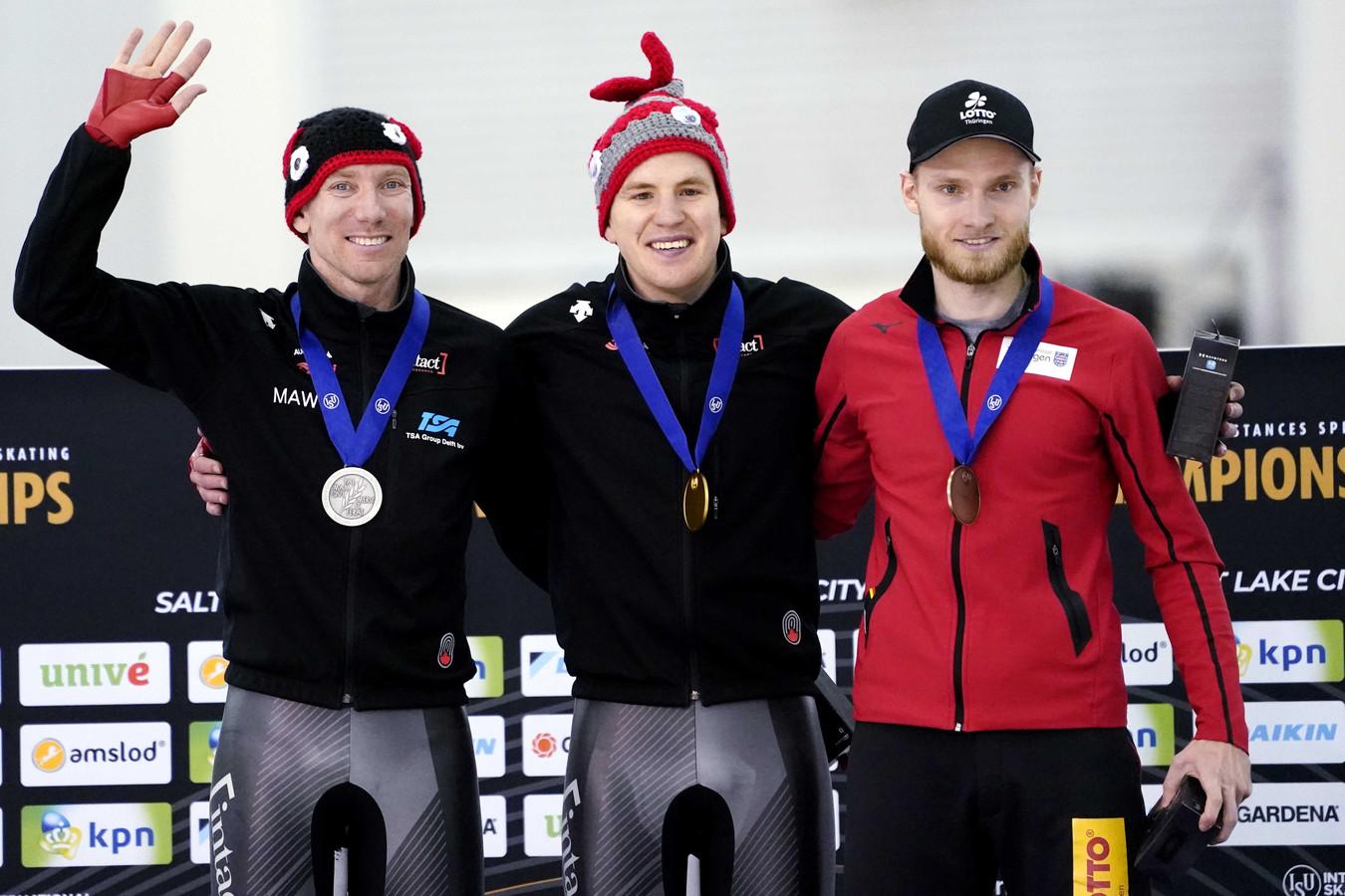 Het podium op de 10 kilometer: Ted-Jan Bloemen, Graeme Fish en de Duitser Patrick Beckert.