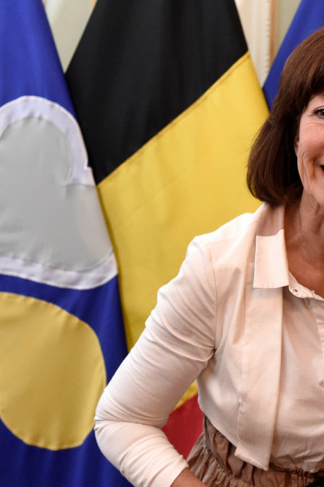 La candidature d'Onkelinx à l'Europe est complémentaire à celle de Reynders, selon le PS