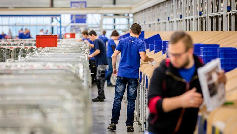 Het sorteercentrum van postbedrijf Sandd. Beeld anp