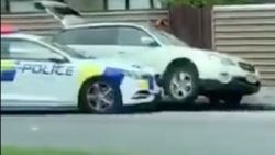 Hoe twee agenten net na training over gewapende daders de schutter van Christchurch klemreden