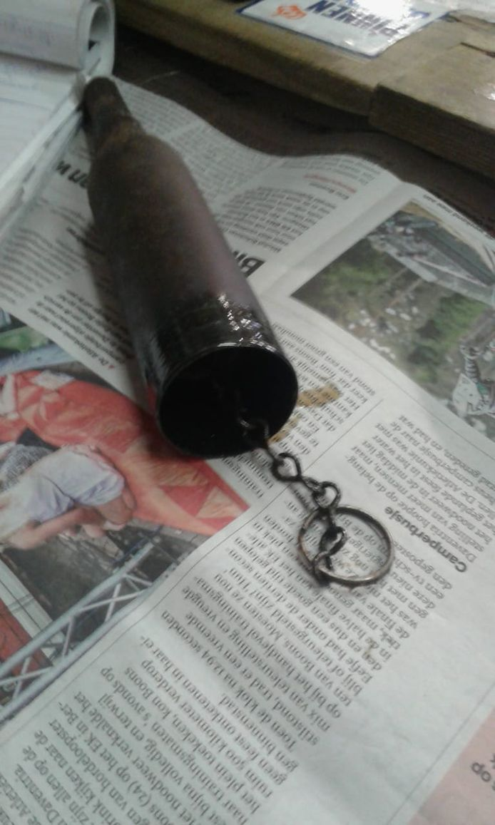 Een gevaarlijk explosief? Nee een vetspuit.