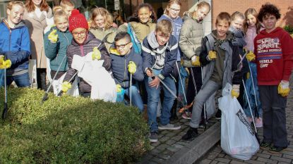 Leerlingen basisscholen ruimen zwerfvuil op