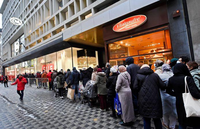 La rue Neuve ce lundi 4 janvier, premier jour des soldes.