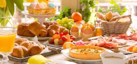 Croissantje of chocolade over met Pasen? Dit doe je met de restjes