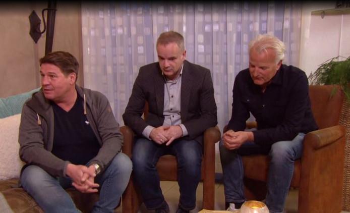 Martijn, makelaar Alex en bouwdeskundige Bob Sikkes.