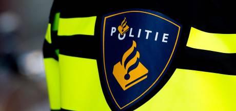 Straat in Zandvoort afgezet na vondst handgranaat