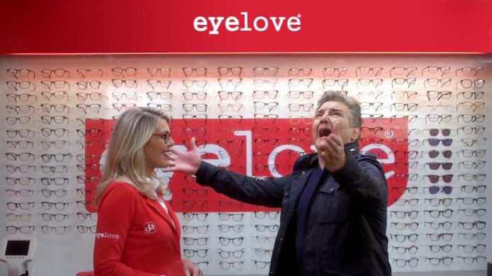 Eyelove-commercial uit 2018. René Froger won vorig jaar de Loden Leeuw voor meest irritante BN'er in een commercial.
