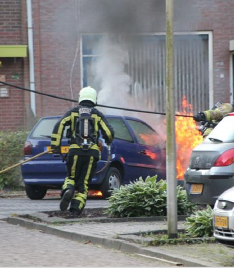Auto in brand in Holten