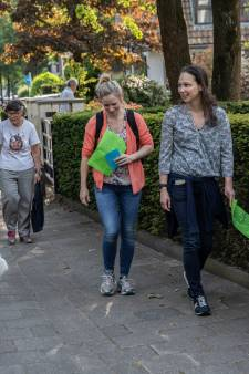 Wandelen tegen zwerfvuil tijdens Avondwandeltochten in Waalre