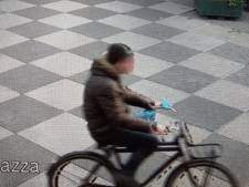 Jacht op verdachte die molotovcocktail op politiebureau gooide: 'Harde knal en meteen vlammen'