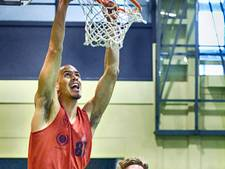 Basketbal: Trajanum dunkt zich van de laatste plek af