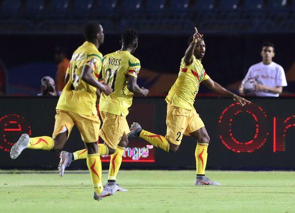Abdoulay Diaby viert de eerste Malinese goal.