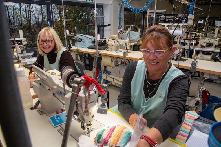 Bij Van De Velde in Schellebelle worden enkel nog modellen ontworpen en getest. De productie verhuisde naar Tunesië.