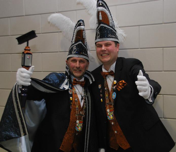 Groothertog Jan en zijn neef Erwin zijn de nieuwe hoogheden van de Waterpönskes.