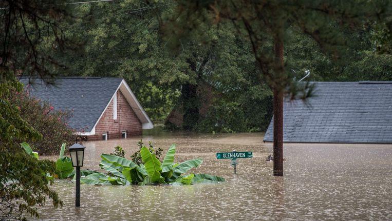 Huizen zijn onder water komen te staan in Columbia, South Carolina Beeld AFP